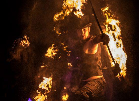 Firecircus-Laluz-Inszenierung-Firespace-Galerie-001