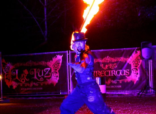 Firecircus-Laluz-Inszenierung-Firespace-Galerie-012