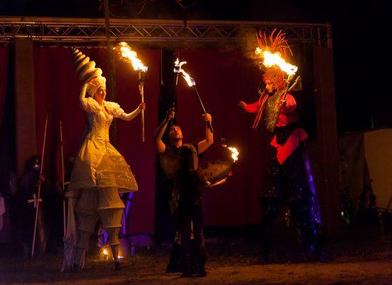 Firecircus-Laluz-Inszenierung-FeuerSaga2015-Galerie-004