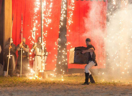 Firecircus-Laluz-Inszenierung-FeuerSaga2015-Galerie-005