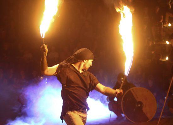 Firecircus-Laluz-Inszenierung-FeuerSaga2015-Galerie-010