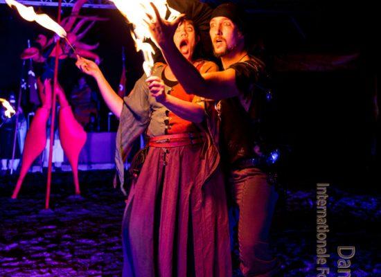 Firecircus-Laluz-Inszenierung-FeuerSaga2016-Galerie-001