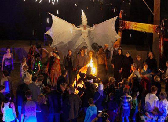 Firecircus-Laluz-Inszenierung-FeuerSaga2016-Galerie-003