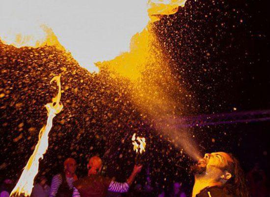 Firecircus-Laluz-Inszenierung-FeuerSaga2016-Galerie-004