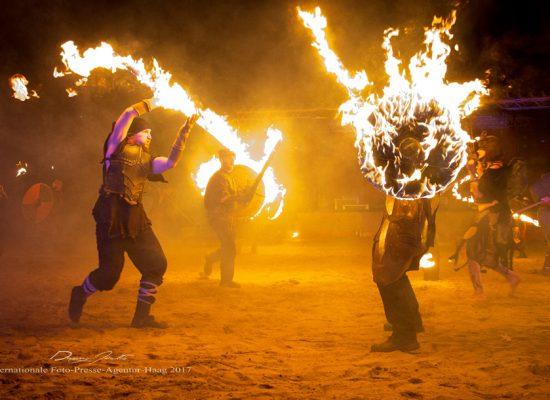 Firecircus-Laluz-Inszenierung-FeuerSaga2017-Galerie-001