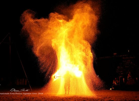 Firecircus-Laluz-Inszenierung-FeuerSaga2018-Galerie-004